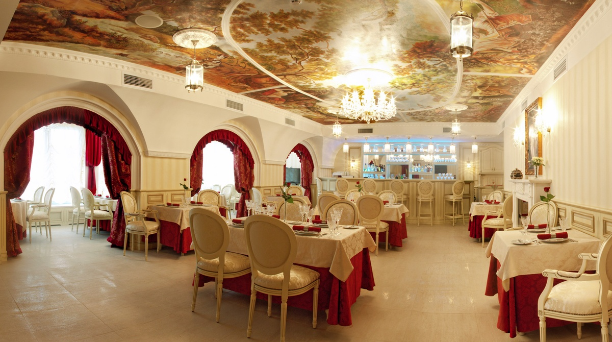 """Ресторан """"Хрусталь"""" в классическом стиле"""