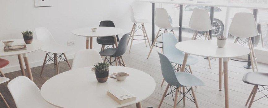 Столы на празднике